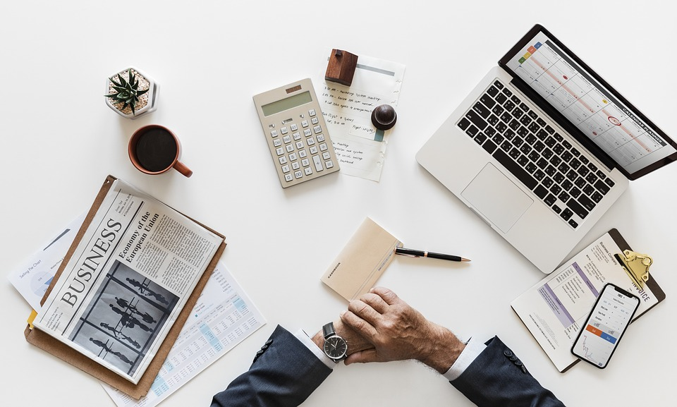 When Is It Time for Small Businesses to Outsource Accounting?